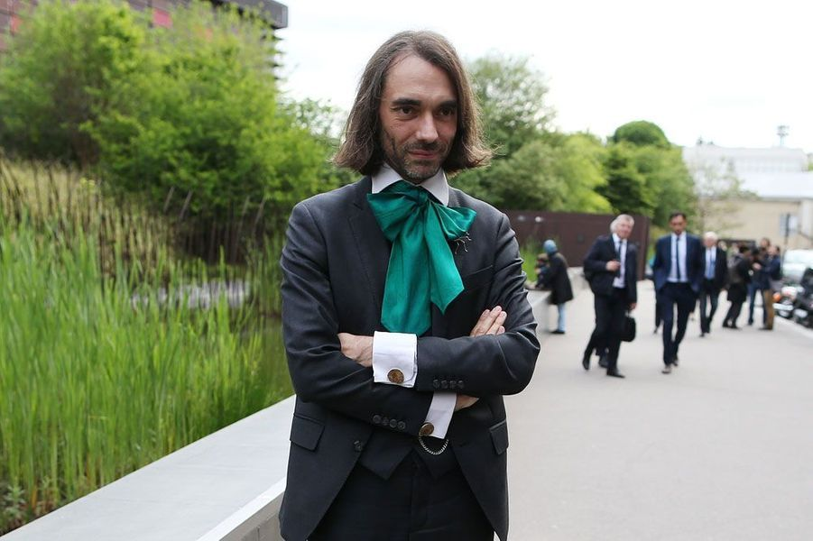 Le mathématicien Cédric Villani, investi par La République en Marche (REM) dans la 5e circonscription de l'Essonne, a été élu avec 69,36% contre 30,64% à son adversaire Laure Darcos (LR).
