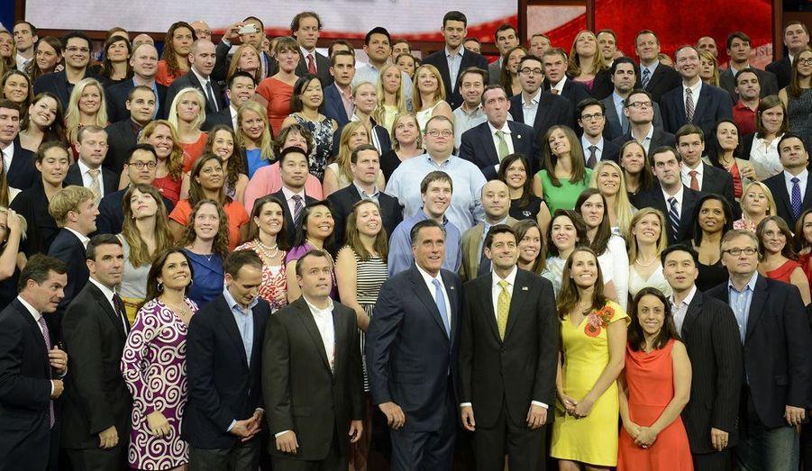 Attaquants, défenseurs, entraineur… Une équipe de campagne ressemble à celles des sports collectifs. Outre celui de Mitt Romney, les noms qui résonnent le plus dans les meetings sont Ann (sa femme), et Paul Ryan (son colistier). Pendant ce temps, en coulisse, opère une poignée de professionnels du monde politique américain. Tour d'horizon de la «Team Romney».