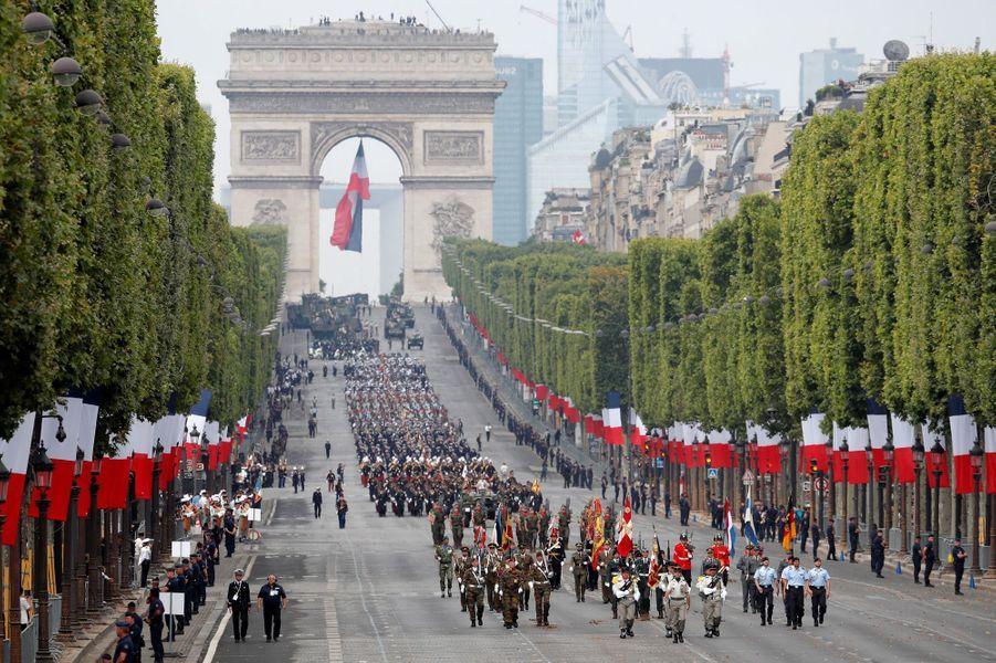 Défilé du 14-juillet sur les Champs-Elysées.