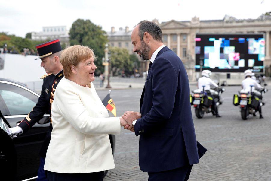 Le Premier ministre accueille Angela Merkel.