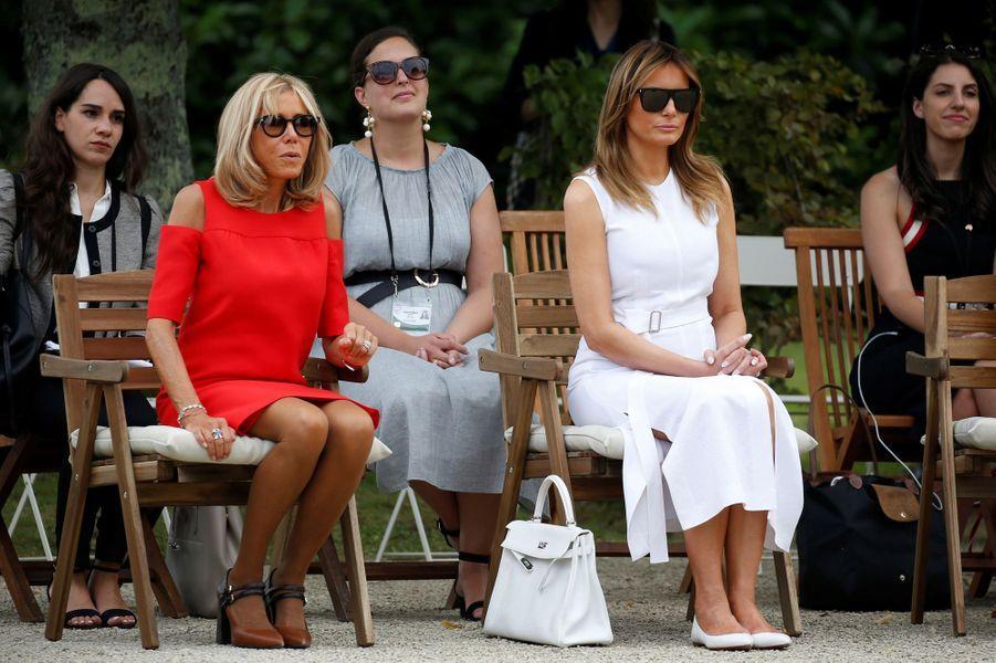 Brigitte Macron et Melania Trump àla villa Arnaga, maison d'Edmond Rostand et musée dédié à l'écrivain, àCambo-les-Bains.