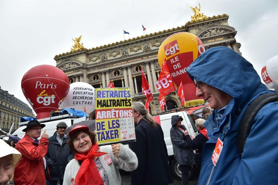 Plus de 2.000 retraités ont manifesté jeudi après-midi à Paris pour dénoncer la hausse de la CSG.