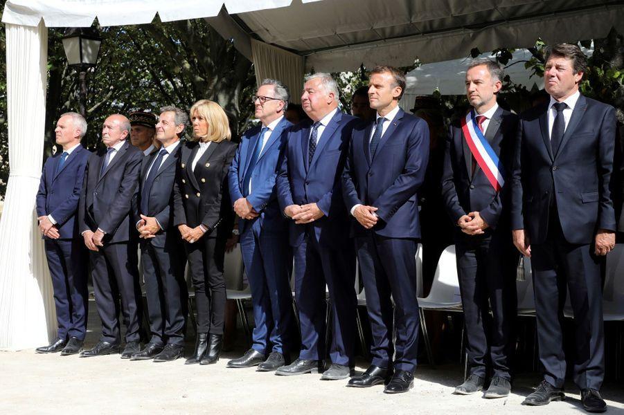Parmi les personnalités présentes à la cérémonie: François de Rugy, Brigitte Macron, Richard Ferrand, Gérard Larcher, Nicolas Sarkozy ou encore Christian Estrosi