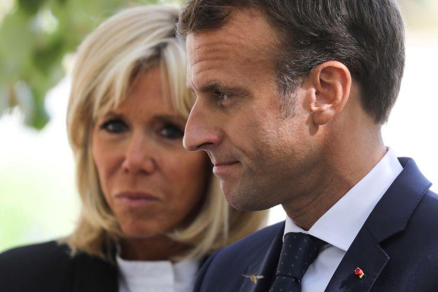 Emmanuel Macron et son épouse Brigitte