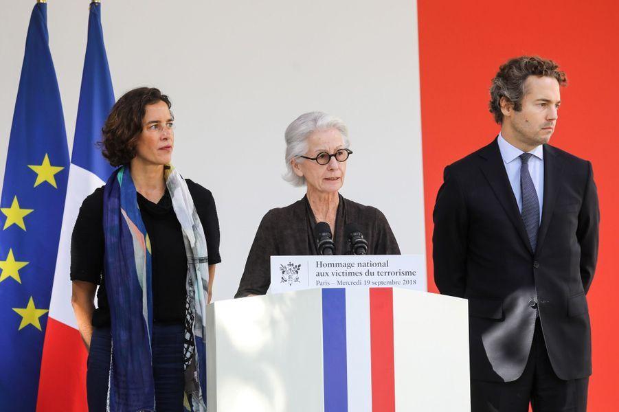 Dominique Erignac et ses enfants Marie-Christophine etCharles Antoine.
