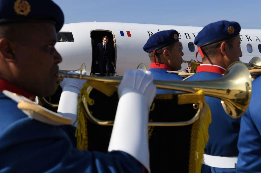 Emmanuel Macronest arrivé jeudi au Marocpour inaugurer avec le roiMohammed VI la ligne à grande vitesse Tanger- Casablanca.