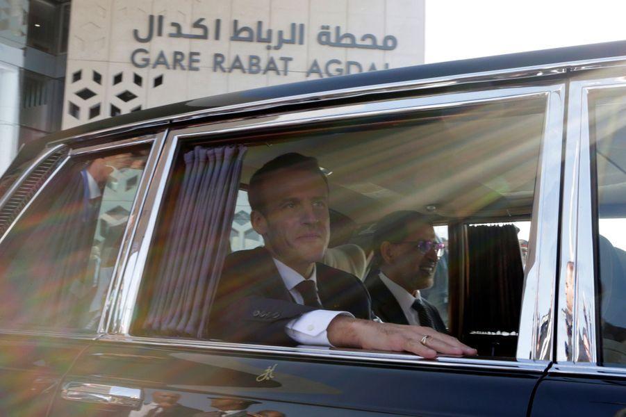 Emmanuel Macron à la gare de Rabat