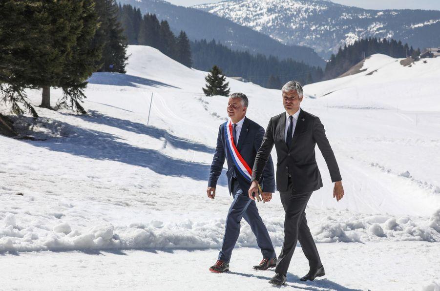Le député de Haute-Savoie Martial Saddier et Laurent Wauquiez,président de la région Auvergne-Rhône-Alpes,auMonument national à la Résistance du plateau des Glières.
