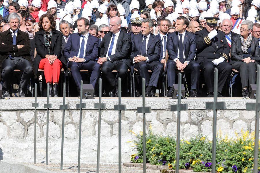 Emmanuel Macron et Nicolas Sarkozy dimanche matin sur le plateau des Glières, en Haute-Savoie.