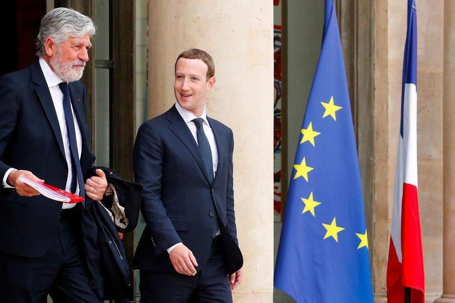 Maurice Levy,président du conseil de surveillance de Publicis Groupe, etMark Zuckerberg à l'Elysée, le 23 mai 2018.