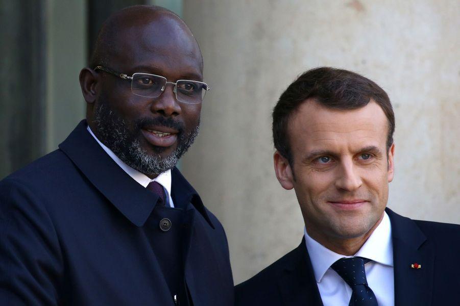 Emmanuel Macron a reçu George Weah pour un déjeuner de travail à l'Elysée.