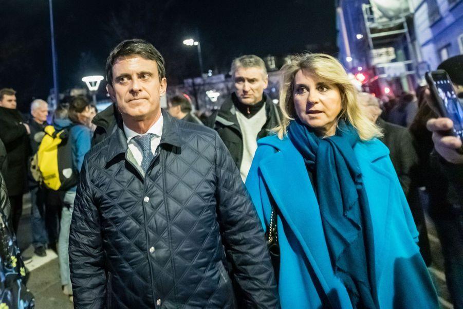 Manuel Valls et Susana Gallardo lors du rassemblement contre l'antisémitismeà Lyon le 19 février 2019