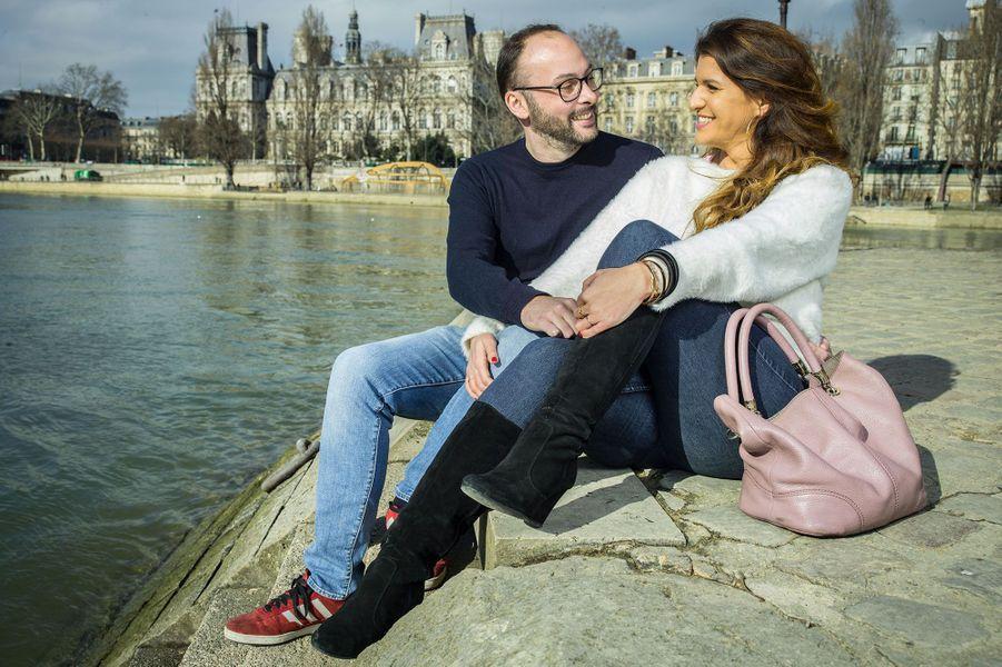 Marlène Schiappa et son époux Cédric sur l'île Saint-Louis à Paris, le 3 mars.