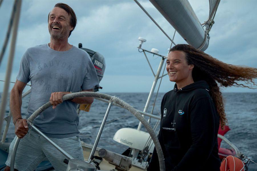 Nicolas Hulot a rejoint Marie Tabarly, 35 ans, dans l'archipel des Açores, fin août, pour une semaine de navigation et le tournage d'un documentaire.