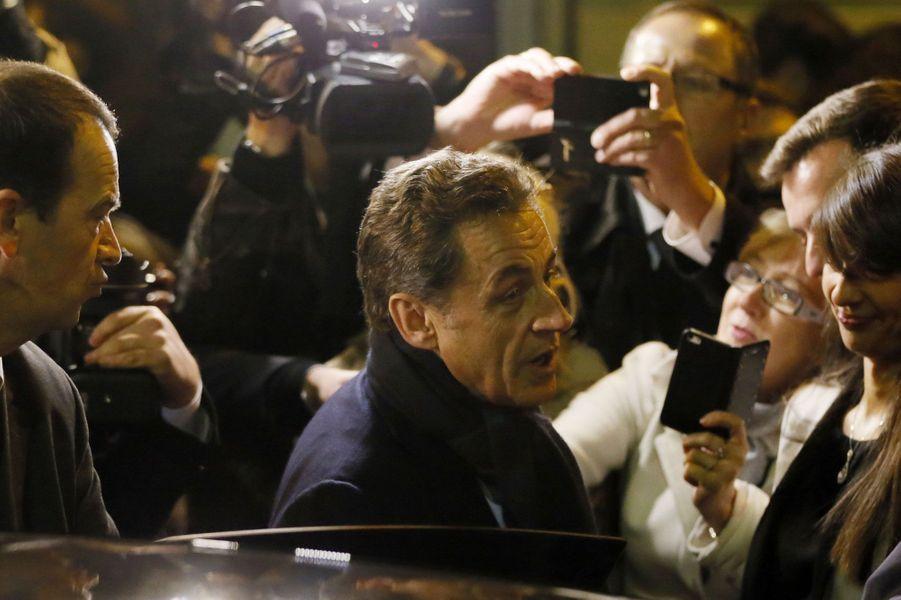 Nicolas Sarkozy vient d'être réélu à la tête de l'UMP. Son calendrier a été quelque peu bousculé par une succession d'affaires qui l'ont contraint à sortir de son silence, mais après une campagne plus âpre que prévu, l'ancien président a largement remporté l'élection interne. Son objectif est désormais 2017.