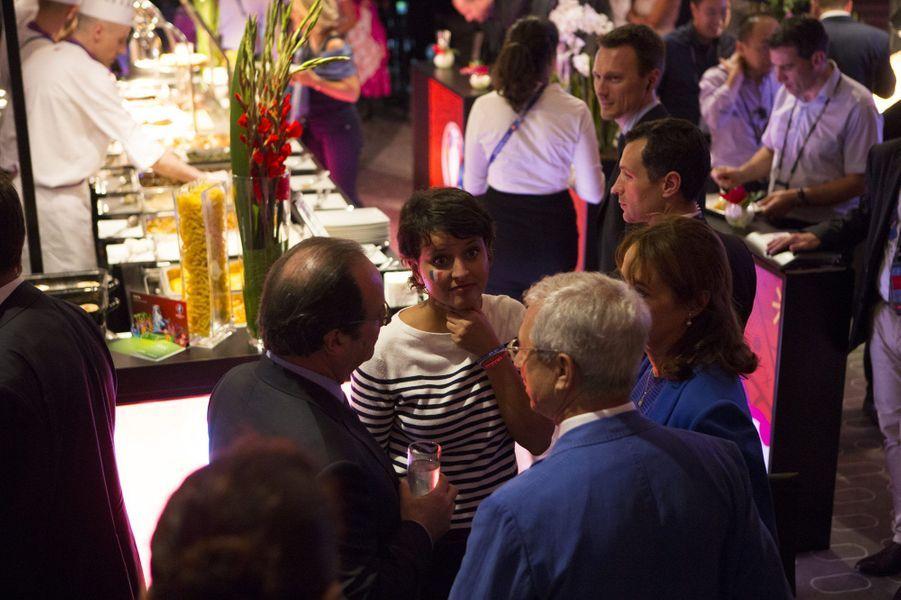 Conciliabule entre Najat Vallaud-Belkacem, Ségolène Royal, Claude Bartolone et François Hollande