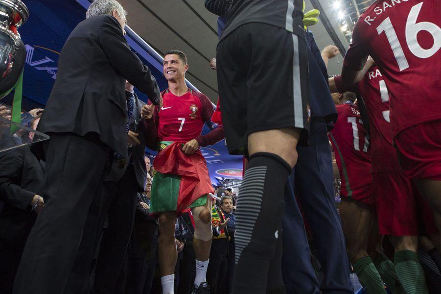 Cristiano Ronaldo a retrouvé le sourire après sa blessure au début du match