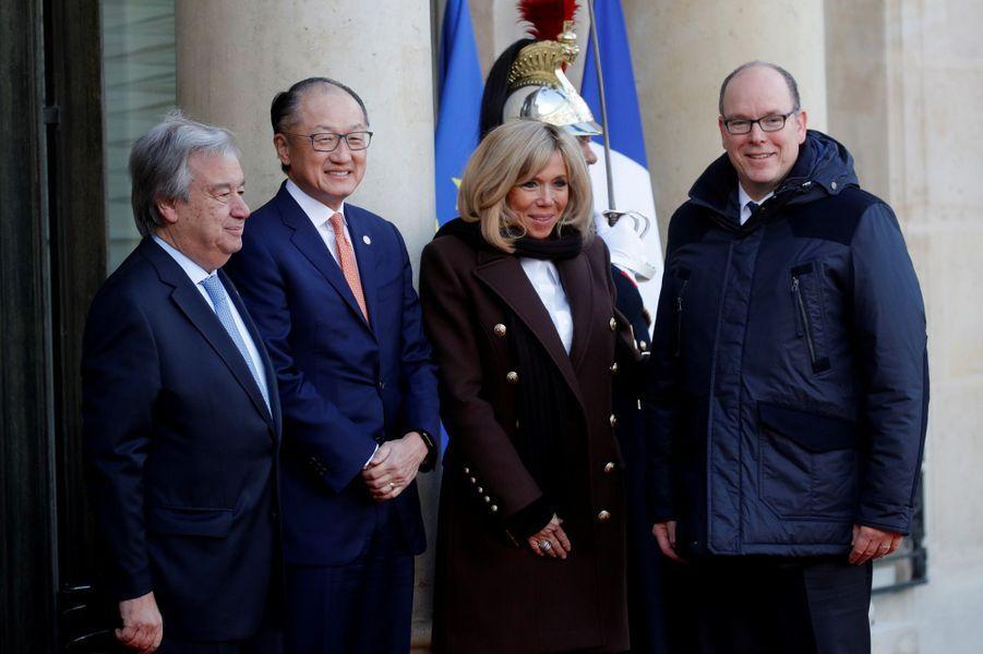 Brigitte Macron, Antonio Guterres et Jim Yong Kimaccueillent Albert II de Monaco.