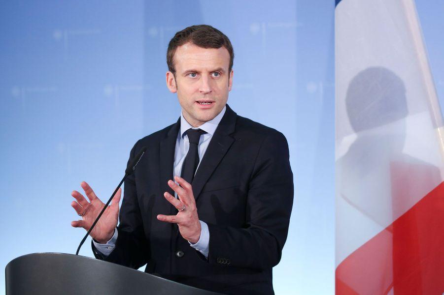 1829signatures pour Emmanuel Macron, qui fait partie des favoris de l'élection présidentielle.