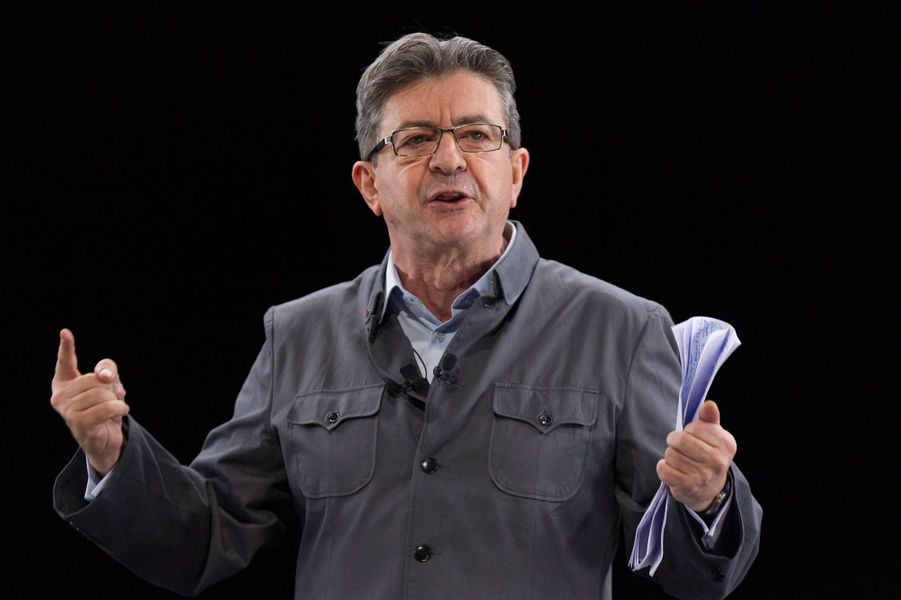 Jean-Luc Mélenchon totalise désormais 805signatures d'élus. En déplacement à Rome le 11 mars, le candidat de La France insoumise a affirmé que les «maires sans étiquette» politique constituent le «principal contingent» de ses parrains. En 2012, il était arrivé en quatrième position au premier tour, avec 11,1% des voix.