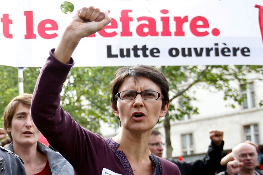 La candidate du parti d'extrême-gauche Lutte ouvrière a recueilli 637signatures. Professeur d'économie et de gestion, Nathalie Arthaud revendique l'héritage d'Arlette Laguiller, la précédente porte-parole du parti. Déjà candidate en 2012, elle avait alors recueilli 0,56% des voix au premier tour.