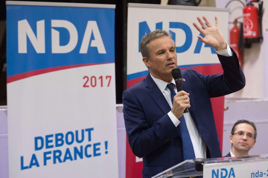 Avec 707signatures, Nicolas Dupont-Aignan représentera en mai son parti souverainiste Debout la France. Maire de Yerres et député de l'Essonne depuis près de 20 ans, il était déjà candidat à l'élection présidentielle de 2012. Il avait alors recueilli 1,79% des suffrages au premier tour.