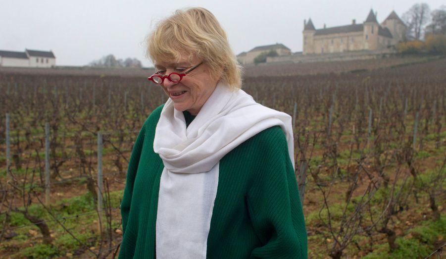 La candidate d'Europe Ecologie - Les Verts (EELV) a été désignée par une primaire interne en juillet dernier, qu'elle a largement remportée face à Nicolas Hulot. Assaillie de toutes parts à propos de l'accord EELV-PS, elle a néanmoins confirmé son intention d'aller jusqu'au bout.