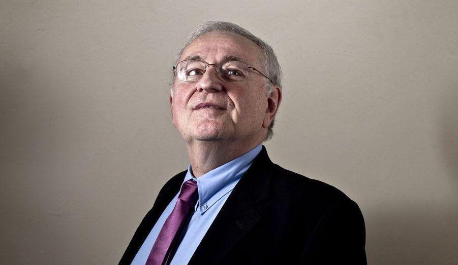 Le candidat du parti Solidarité & Progrès a réussi à obtenir ses 500 parrainages. Il avait déjà participé à l'élection présidentielle de 1995, où il n'avait obtenu que 0,27% des voix.