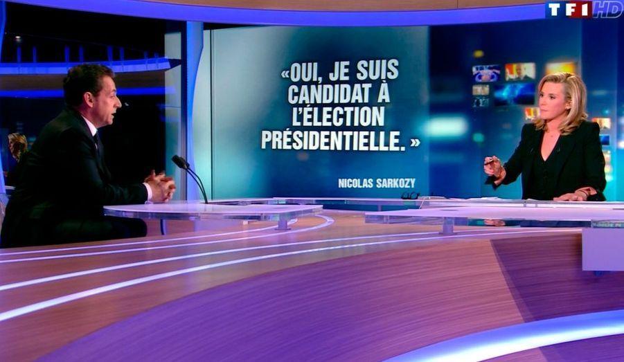 Le président de la République s'est déclaré candidat le 15 février, sur le plateau du 20 heures de TF1. Il a avancé son entrée en campagne, alors que ses conseillers évoquaient précédemment un lancement plus tardif.