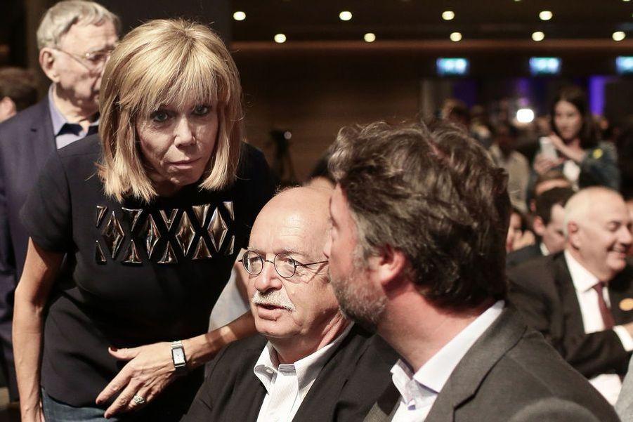 Erik Orsenna,ici au premier meeting d'En Marche! à la Mutualité, est un amid'Emmanuel Macron.