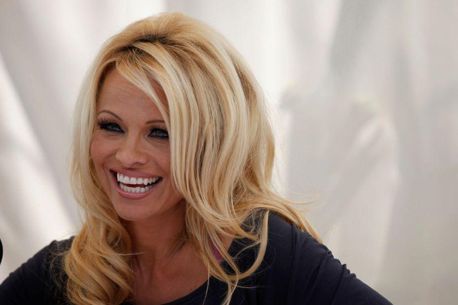 Pamela Anderson soutient Mélenchon.