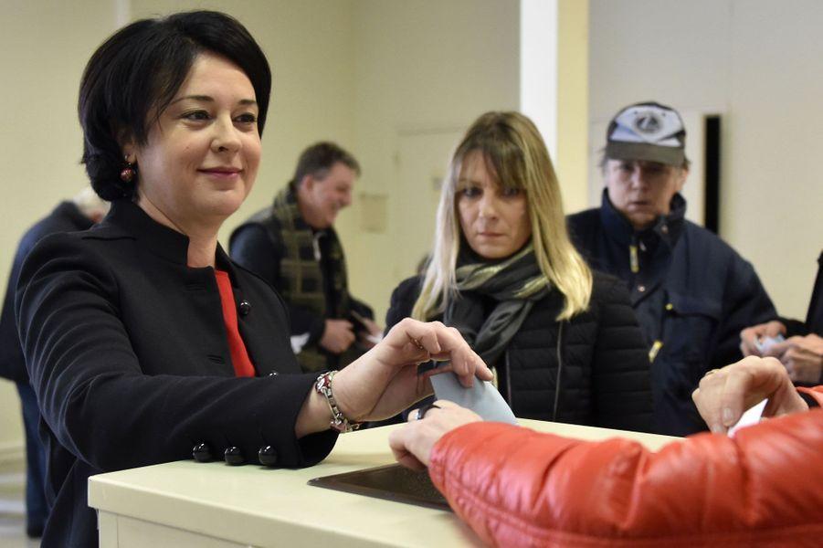 Sylvia Pinel vote à Castelsarrasin, dans le Tarn-et-Garonne.