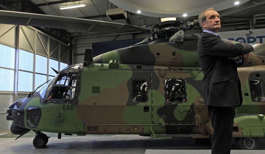 Le ministre de la Défense devrait retrouver son siège de sénateur qu'il avait quitté en mars 2011.