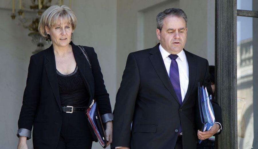 La ministre de l'Apprentissage, ici avec son ministre de tutelle, briguera un troisième mandat de députée en Meurthe-et-Moselle. Xavier Bertrand, quant à lui, quitte le ministère du Travail tentera de retrouver les bancs de l'Assemblée nationale en se présentant dans son fief de Saint-Quentin, dans l'Aisne.