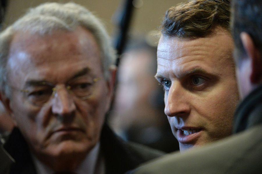 Jean Arthuis, député européenLe député européen Jean Arthuis, fondateur de l'Alliance centriste, a affiché son soutien à Emmanuel Macron, dont les valeurs «convergent avec celles de l'UDI».«Je crois qu'Emmanuel Macron peut réconcilier les Français avec la politique. C'est une urgence absolue», a-t-il notamment déclaré.