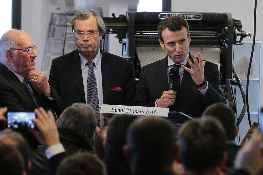Alain Tourret ,député PRG du CalvadosLe député PRG - ici à côté d'Emmanuel Macron en mars 2016 -est l'un des premiers parlementaires à avoir exprimé son soutien à l'ex-ministre. Ila récemment été suspendu «de toutes ses fonctions» au PRG pour avoir appelé par écrit les élus de son département à «signer pour Emmanuel Macron» des parrainages pour la présidentielle alors que Sylvia Pinel participait à la primaire de la gauche.