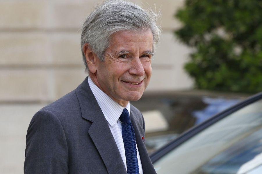 Alain Minc,essayiste et homme d'affairesLongtemps proche de Nicolas Sarkozy, soutien d'Alain Juppé à la primaire de la droite, Alain Minc va voter Emmanuel Macron qui est selon lui«le seul candidat authentiquement européen», a-t-il expliqué au «JDD».