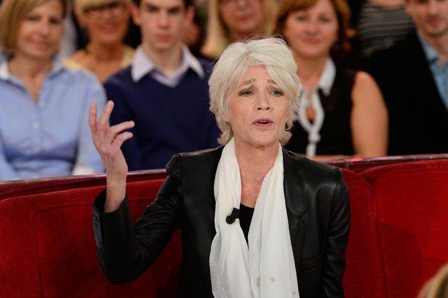 Françoise Hardy, chanteuseElle a confié avoir été «séduite par Emmanuel Macron à cause de sa courtoisie» et estime qu'elle pourrait voter pour lui. «Il est au dessus de la droite et de la gauche, ça me plait», a notamment relevé l'artiste, interviewée par le «Parisien».
