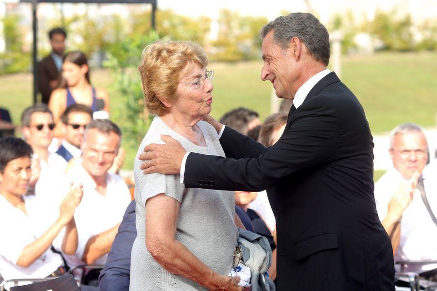 Nicolas Sarkozy et Christiane Kopa, la femme de Raymond Kopa.