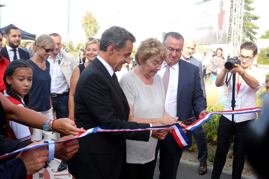 Nicolas Sarkozy a inauguré mardi le centre de vie «Raymond Kopa» au Stade de Reims.