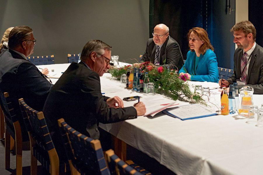 Ségolène Royal avec Timo Soini, le ministre finlandais des Affaires étrangères.