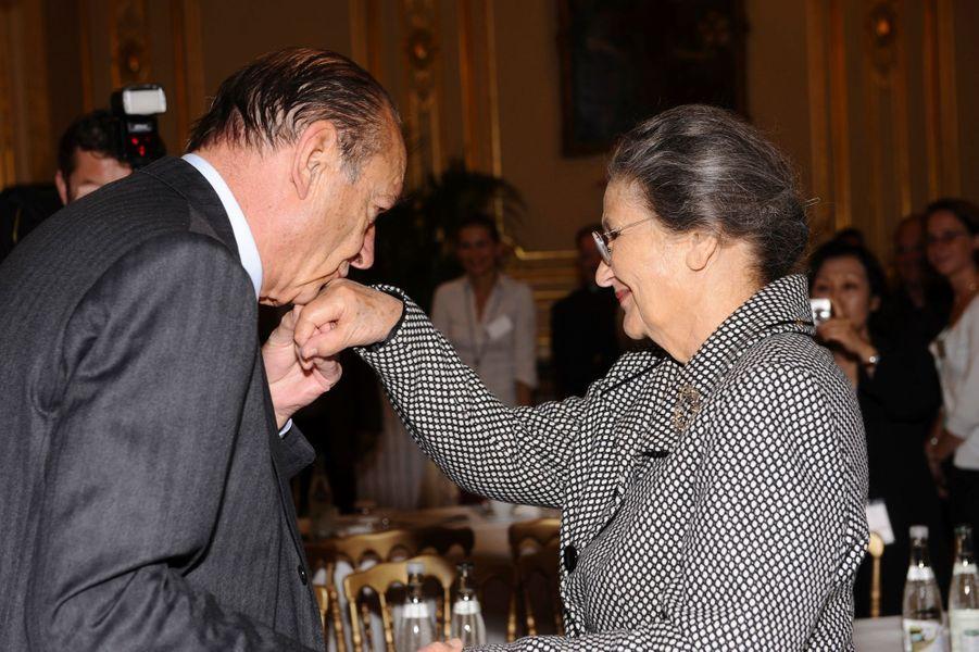 Paris, 15 juin 2009 : La première réunion du jury du prix de la Fondation Chirac pour la prévention des conflits.