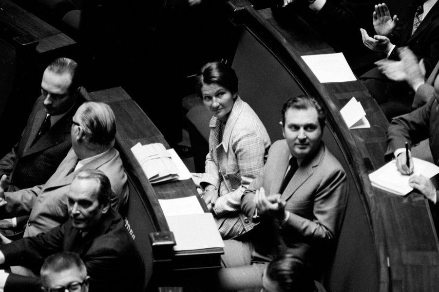 Le 5 juin 1974, dans l'hémicycle de l'Assemblée Nationale.