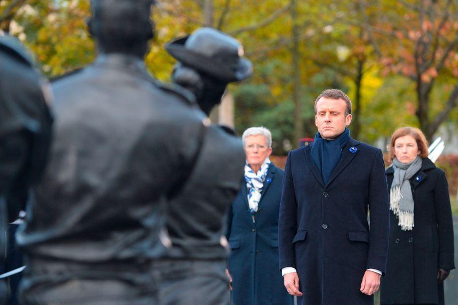 Emmanuel Macron inaugure le monument aux soldats tombés en opérations extérieures, lundi à Paris.