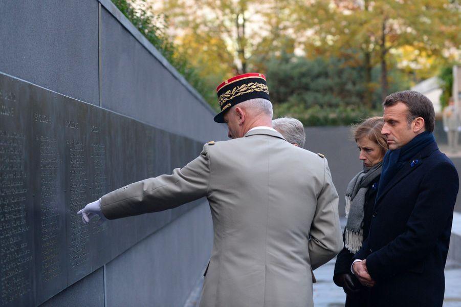 Sur le mur figurent les noms de 549 soldats français tués en opérations extérieures.