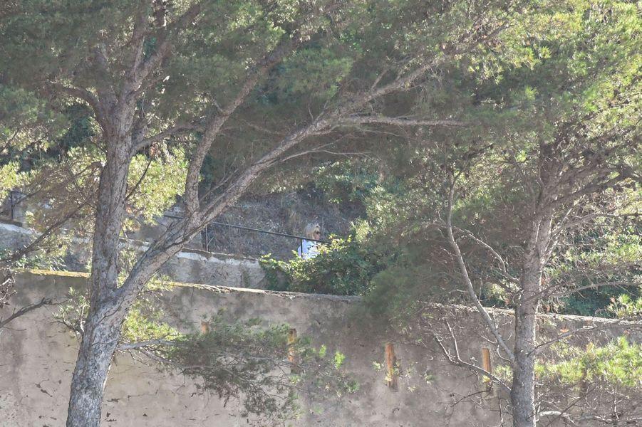 Brigitte Macron photographiée au fort de Brégançon, dimanche 12 août.