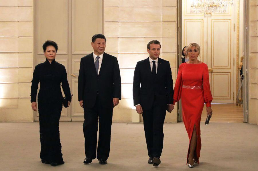 Entréedes couples présidentiels chinois et français.
