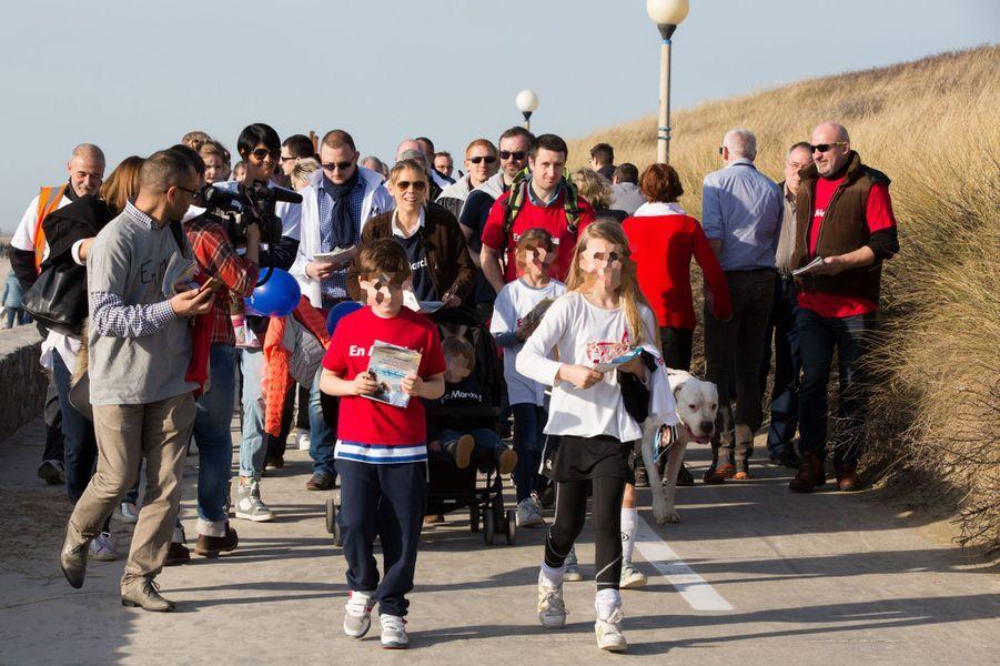 Lors d'un rassemblement à Berck-sur-mer, le 11 mars,Tiphaine Auzière a défilé avec son mari Antoine, leurs enfants Elise et Aurèle et leur chien Figaro.
