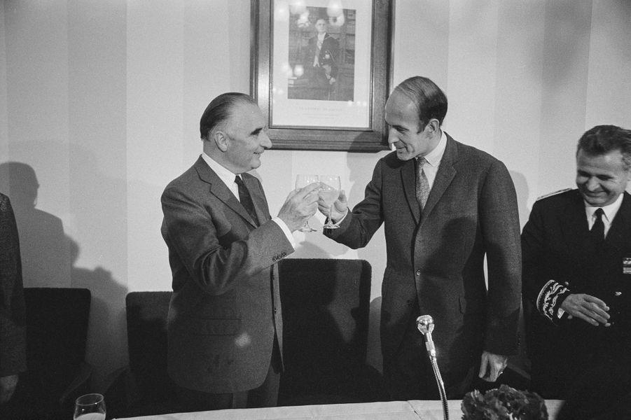 Georges Pompidou et Valéry Giscard d'Estaing à Clermont-Ferrand le 21 octobre 1967, France.