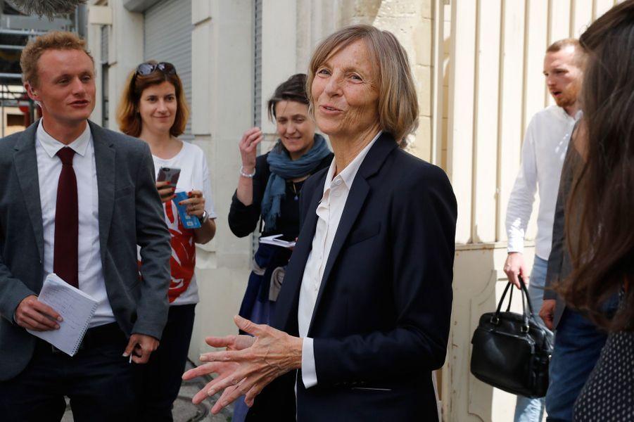Marielle de Sarnez,ministre des Affaires européennes et candidate aux législatives, vote à Paris.